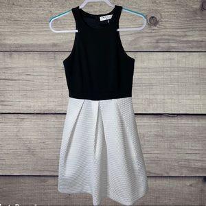 Trina Turk A line maxi dress Two Tone size 0
